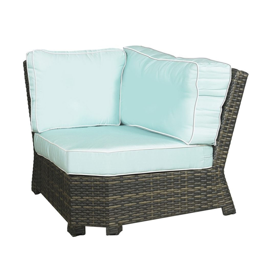 Lakeside Wicker 4 Piece 45 Degree L Sectional Set
