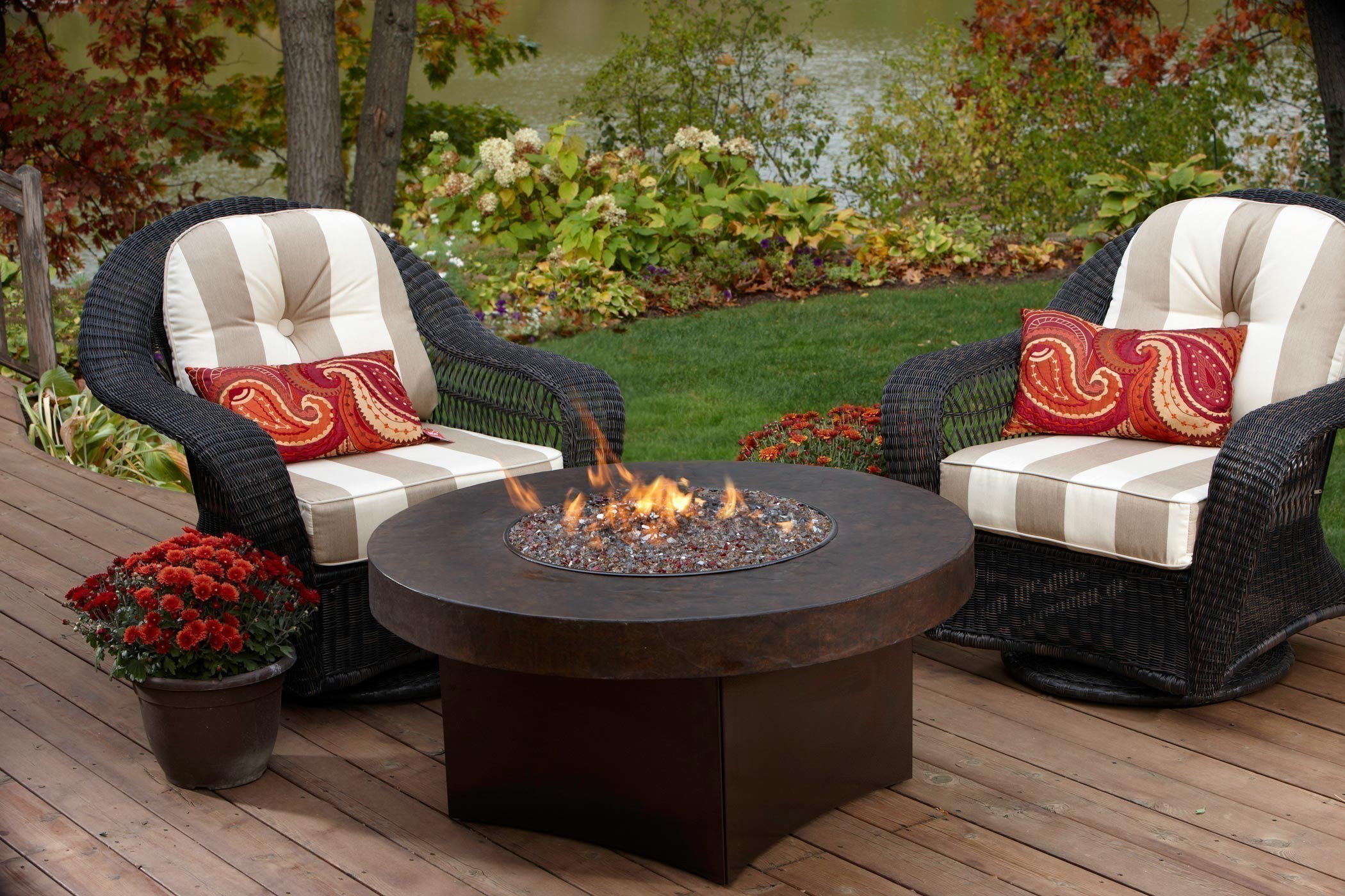 Charleston chairs with Oriflamme fire table